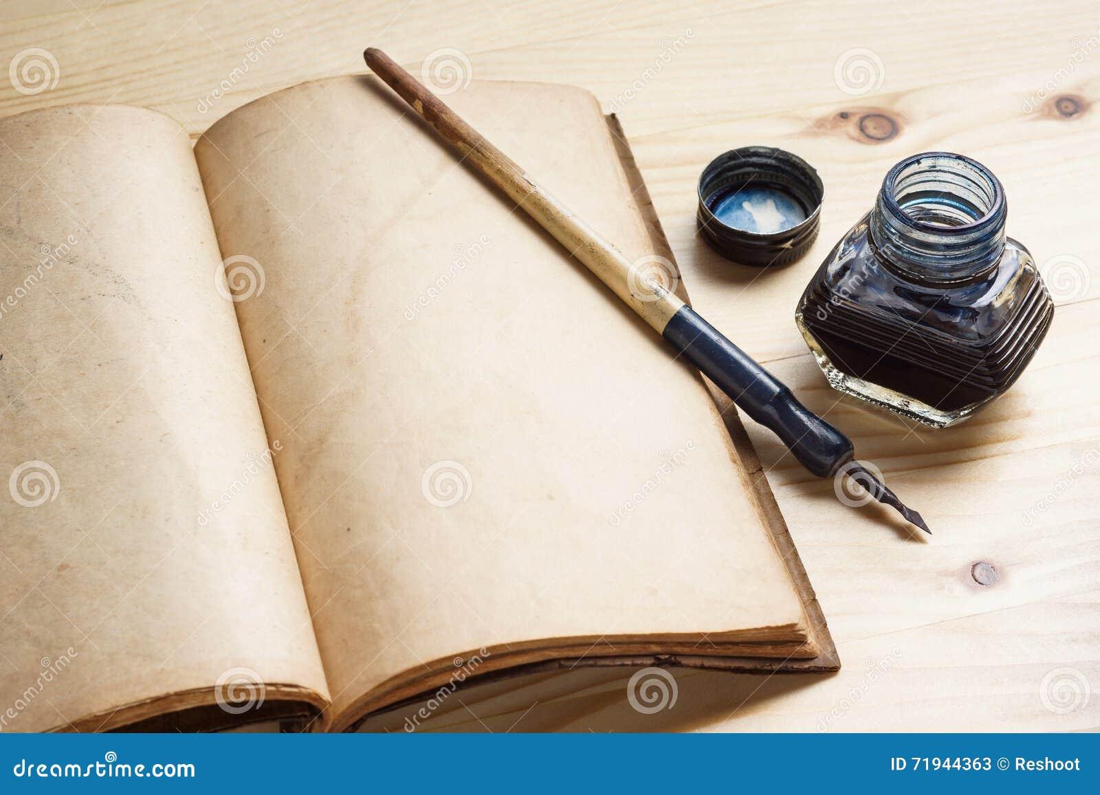Ручка Quill с чернильницей