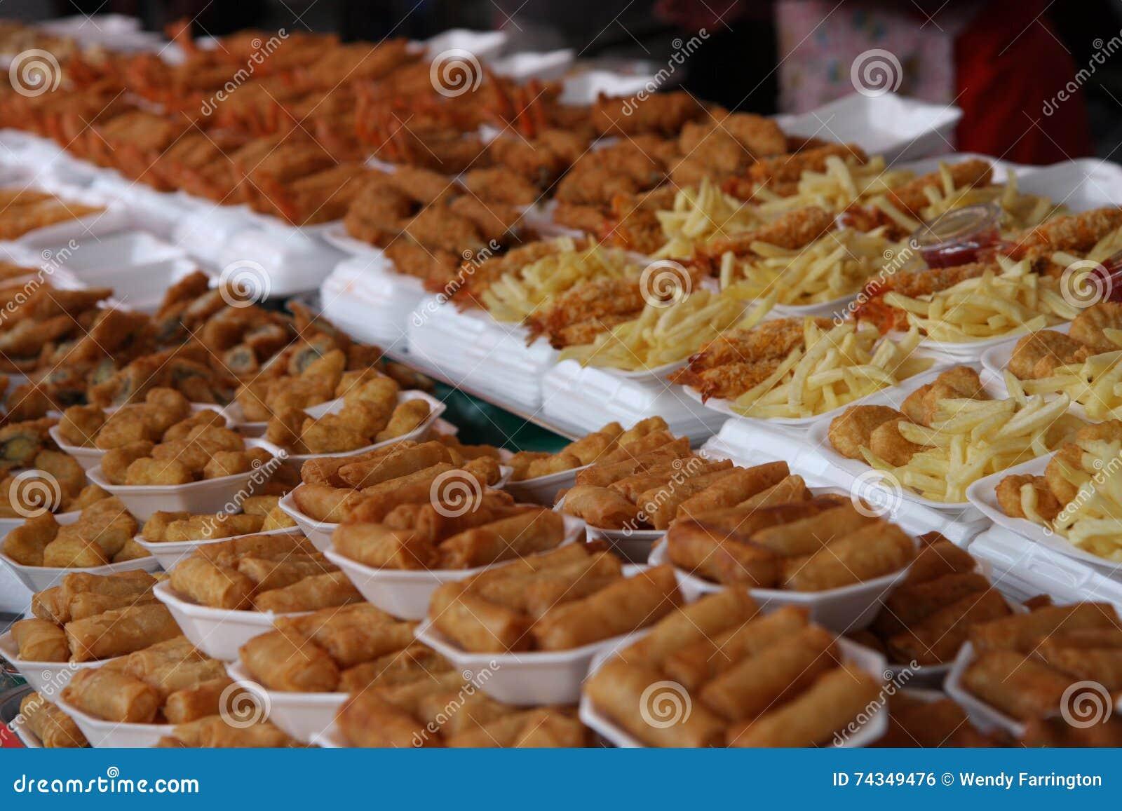 Рынок Chatuchak, Бангкок зажарил еду