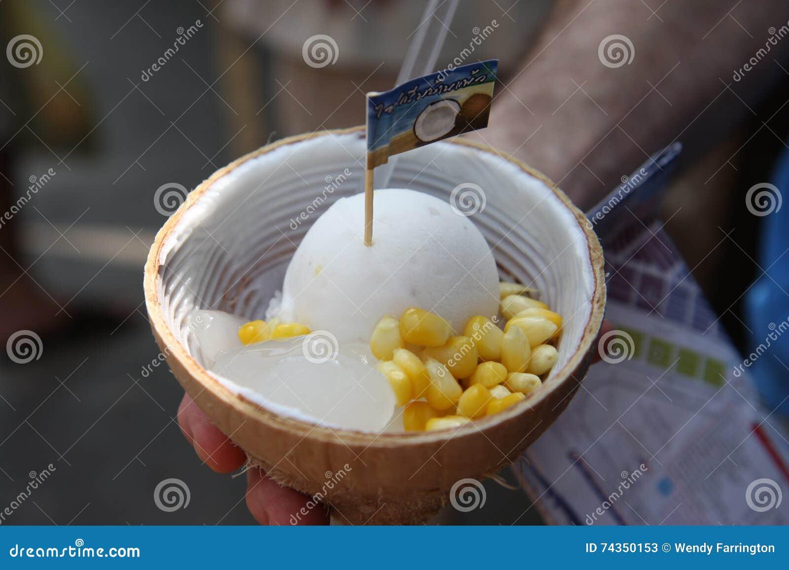 Рынок Chatuchak, мороженое кокоса Бангкока