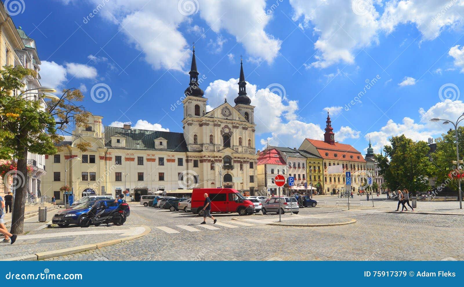 Рыночная площадь в Jihlava, чехии