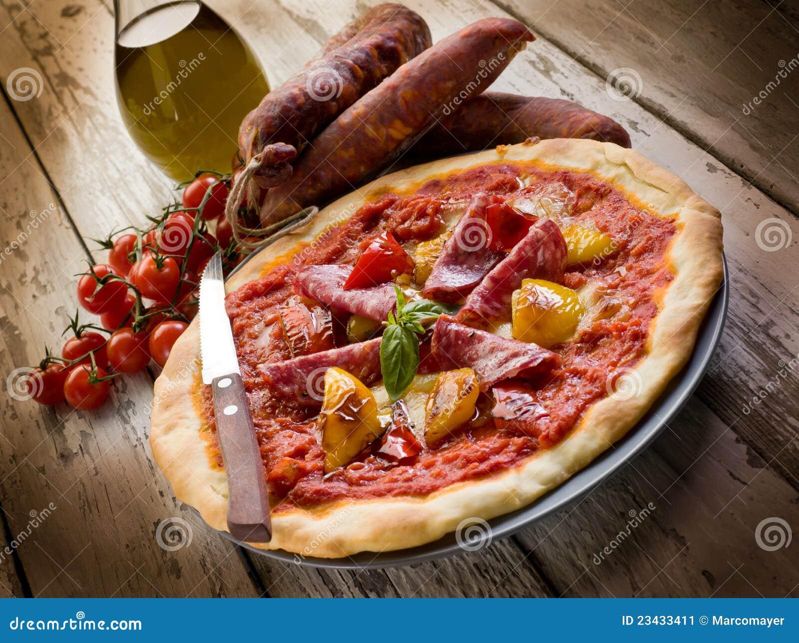 салями пиццы перца
