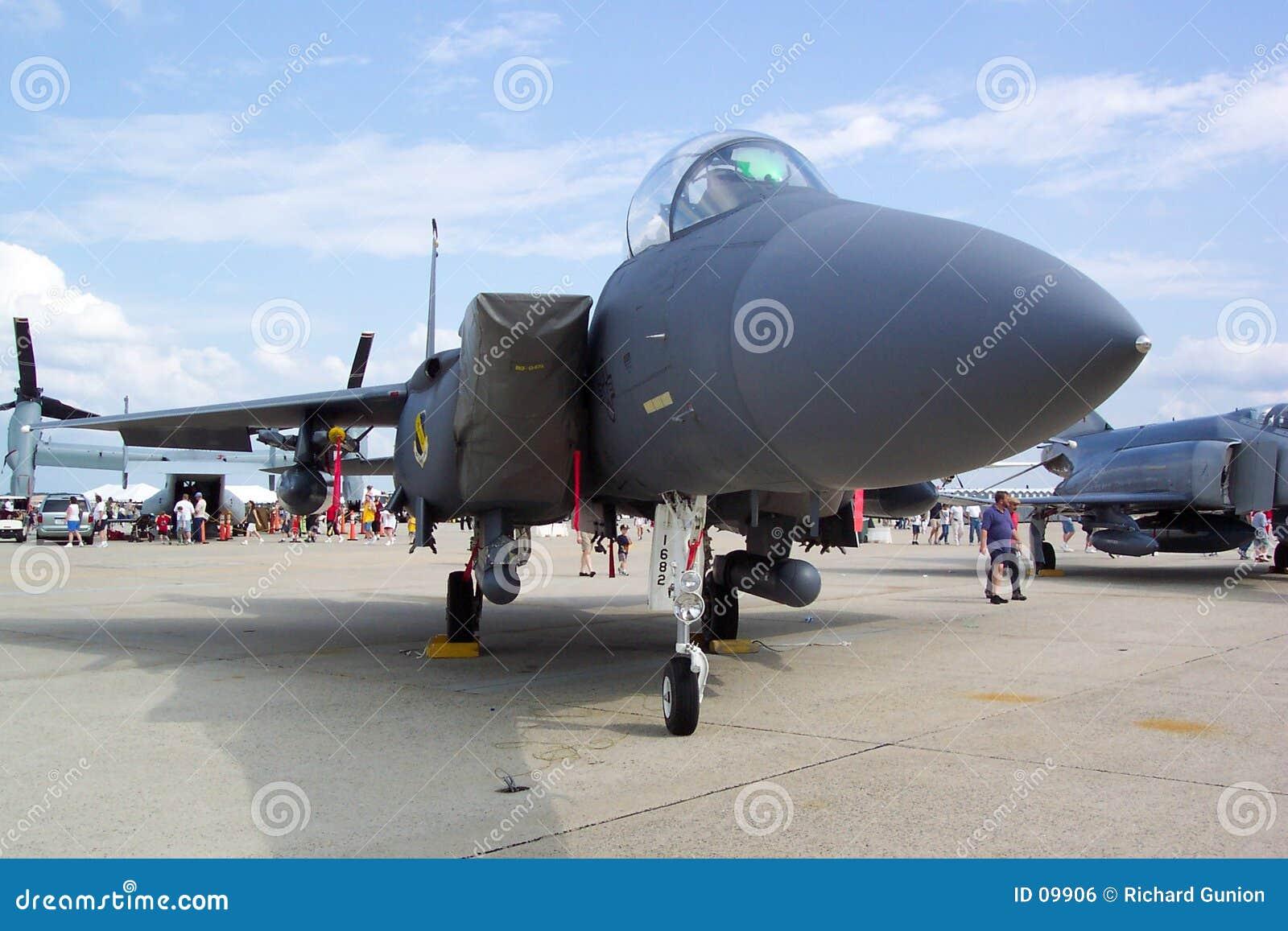 самолет-истребитель f15