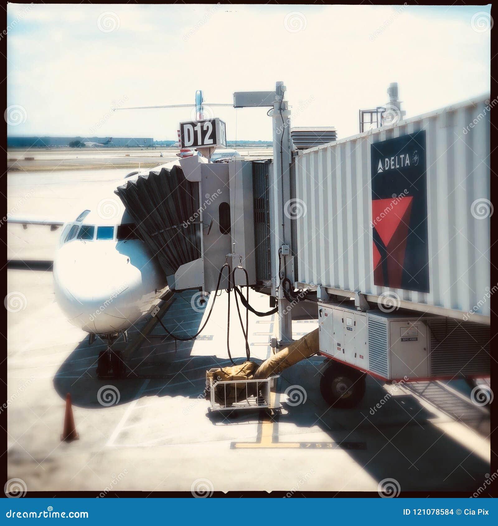 Самолет перепада на стробе