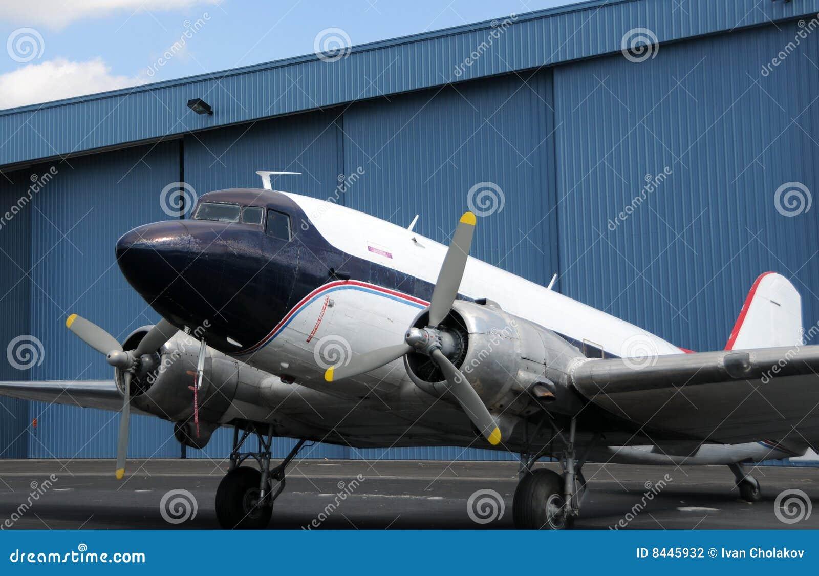 самолет старый
