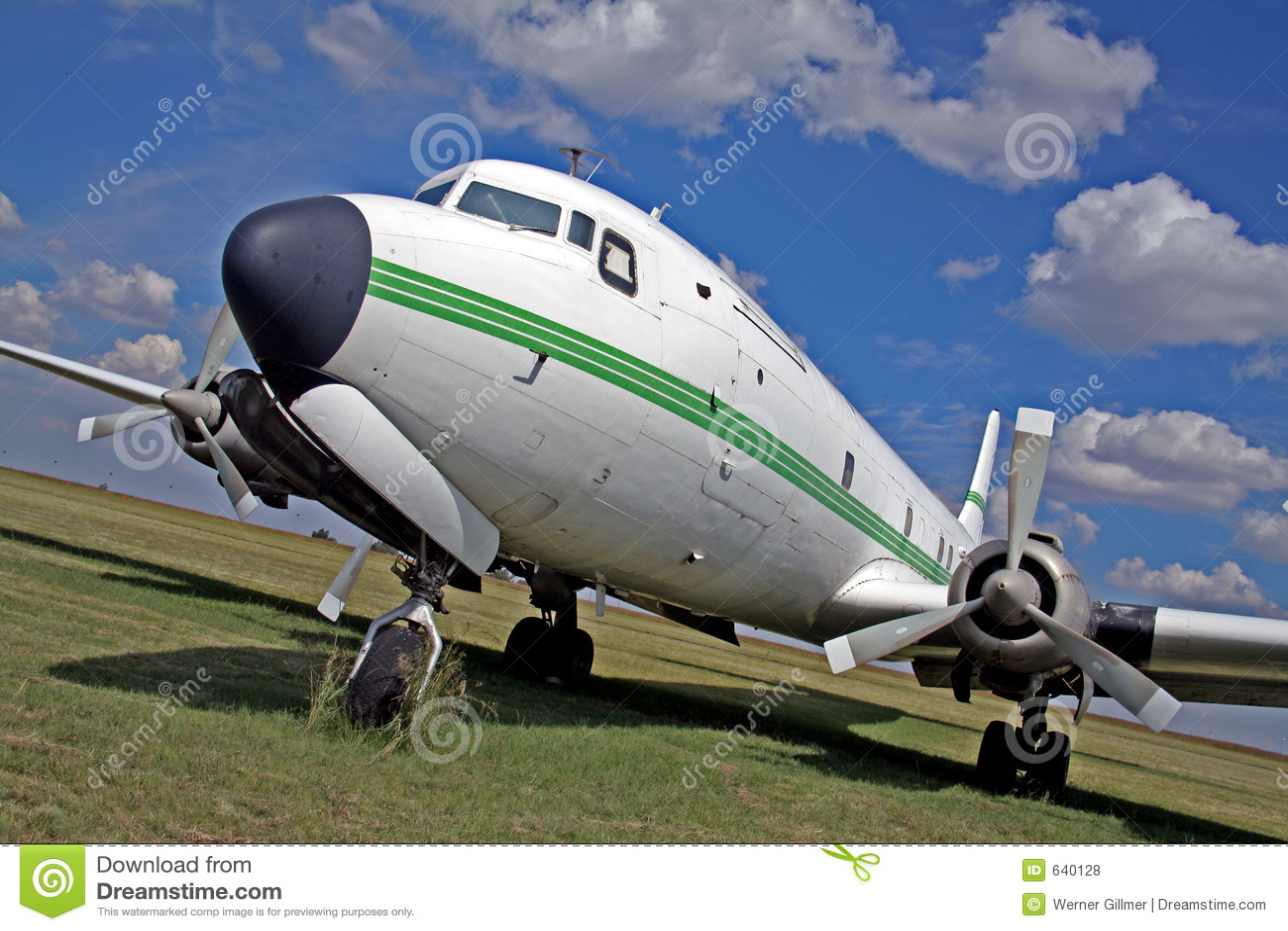 Download самолет стоковое фото. изображение насчитывающей перемещение - 640128