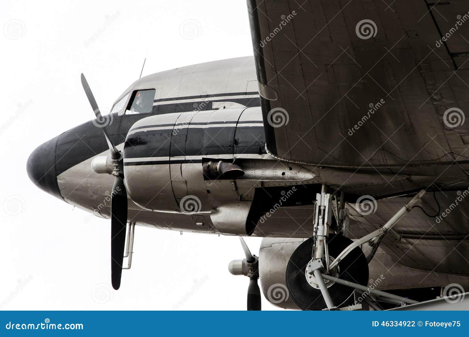 Самолет DC-3