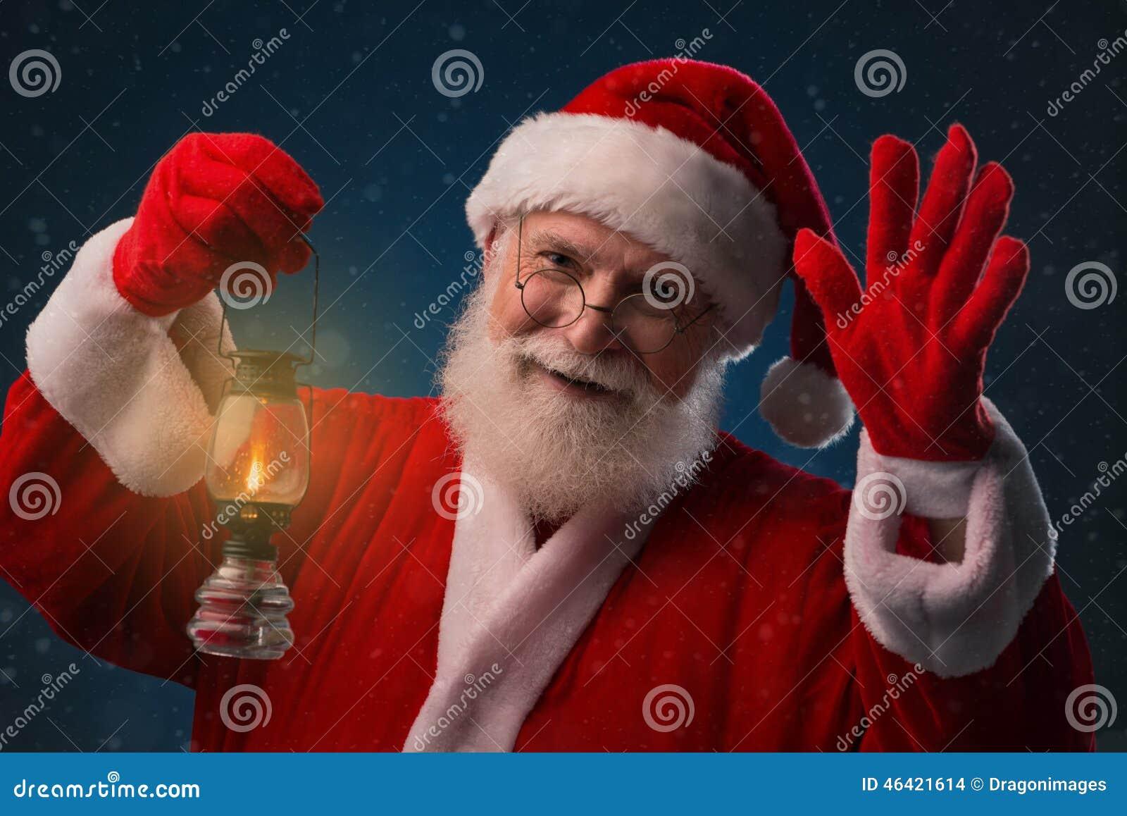 Санта Клаус с фонариком