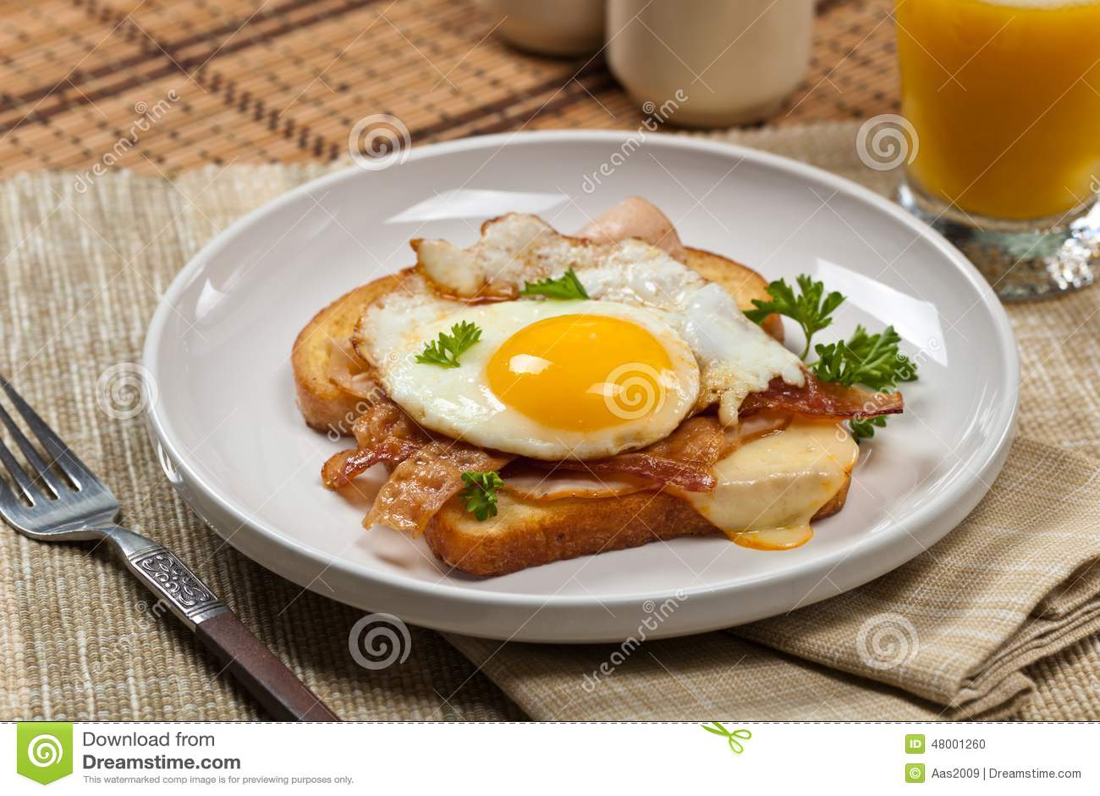 Сандвич с яичницами