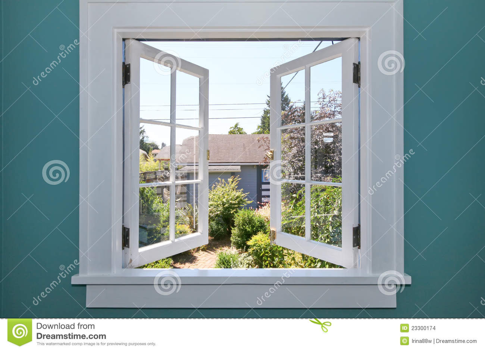 сарай задней части открытый малый к ярду окна