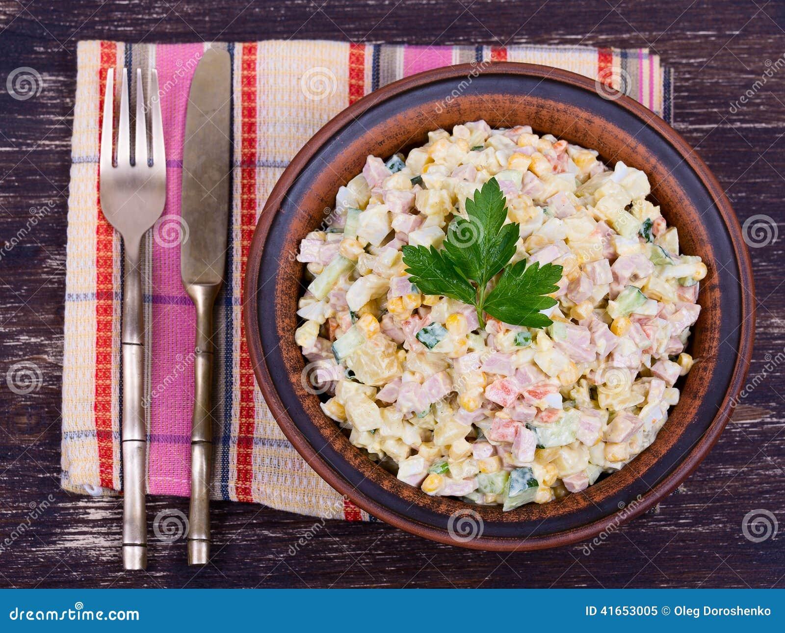 Салат более olivier в плите