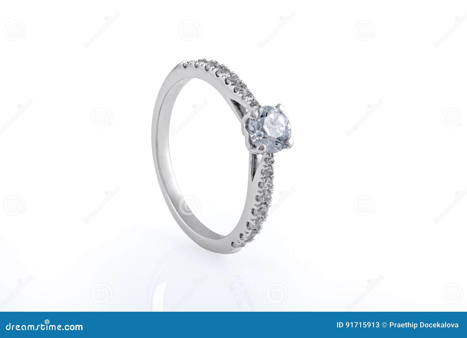 Свадьба белого золота, обручальные кольца с диамантами