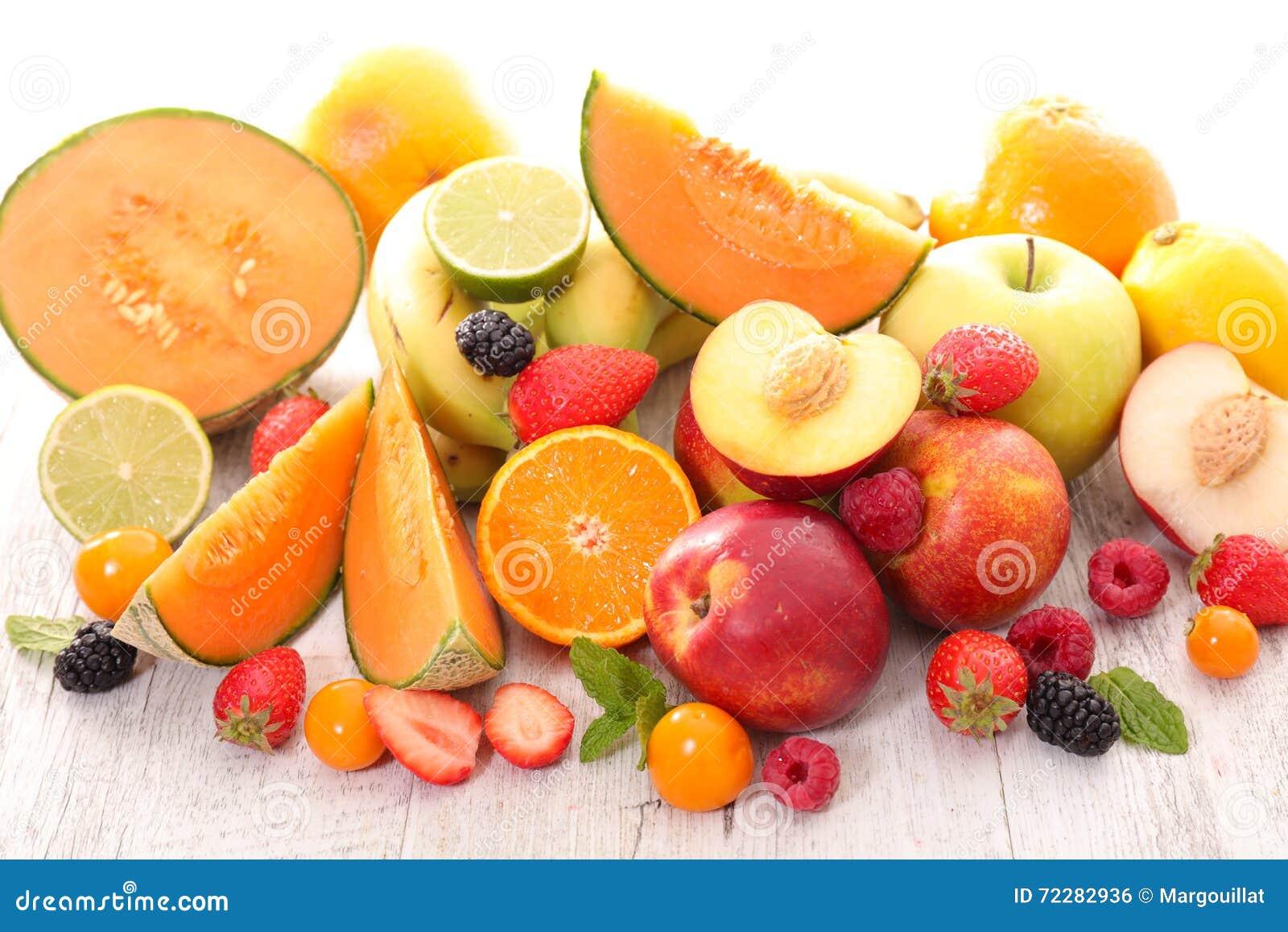 Download свежие фрукты стоковое фото. изображение насчитывающей персик - 72282936