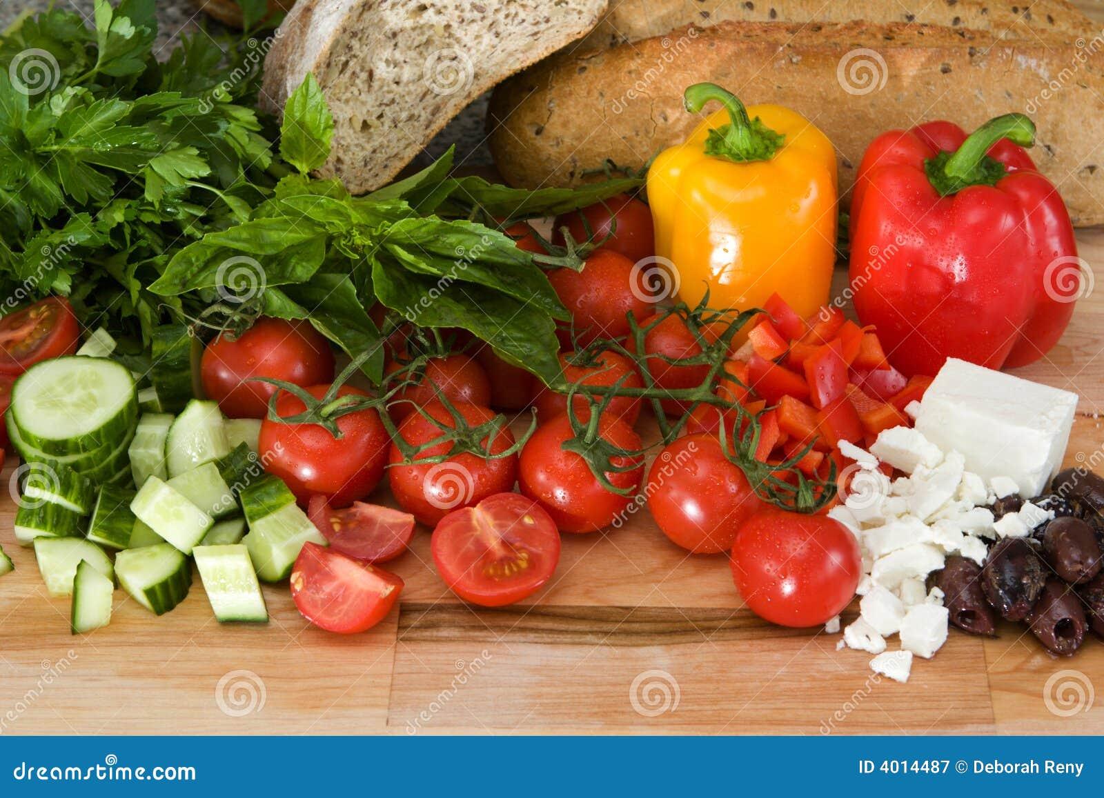 свежий греческий салат ингридиентов