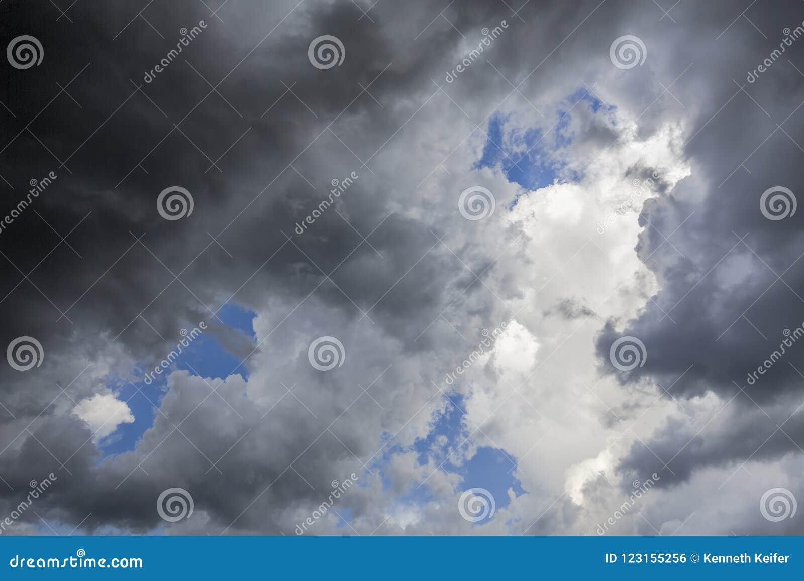 Светить через небеса расчистки †«