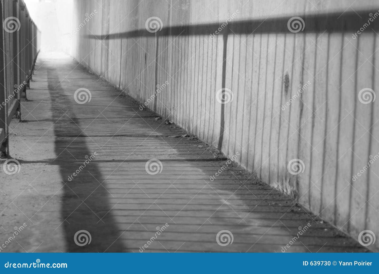Download светлый тоннель стоковое фото. изображение насчитывающей вероисповедно - 639730