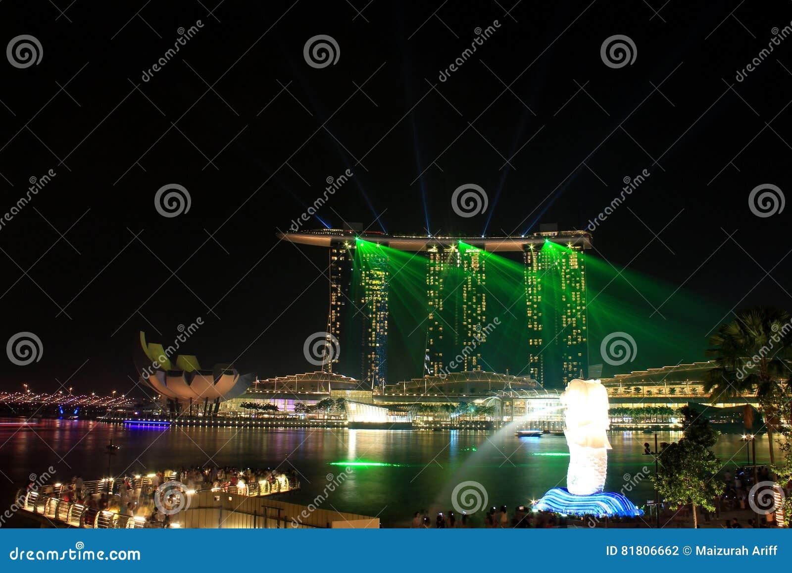Светлая выставка на заливе Марины зашкурит Сингапур
