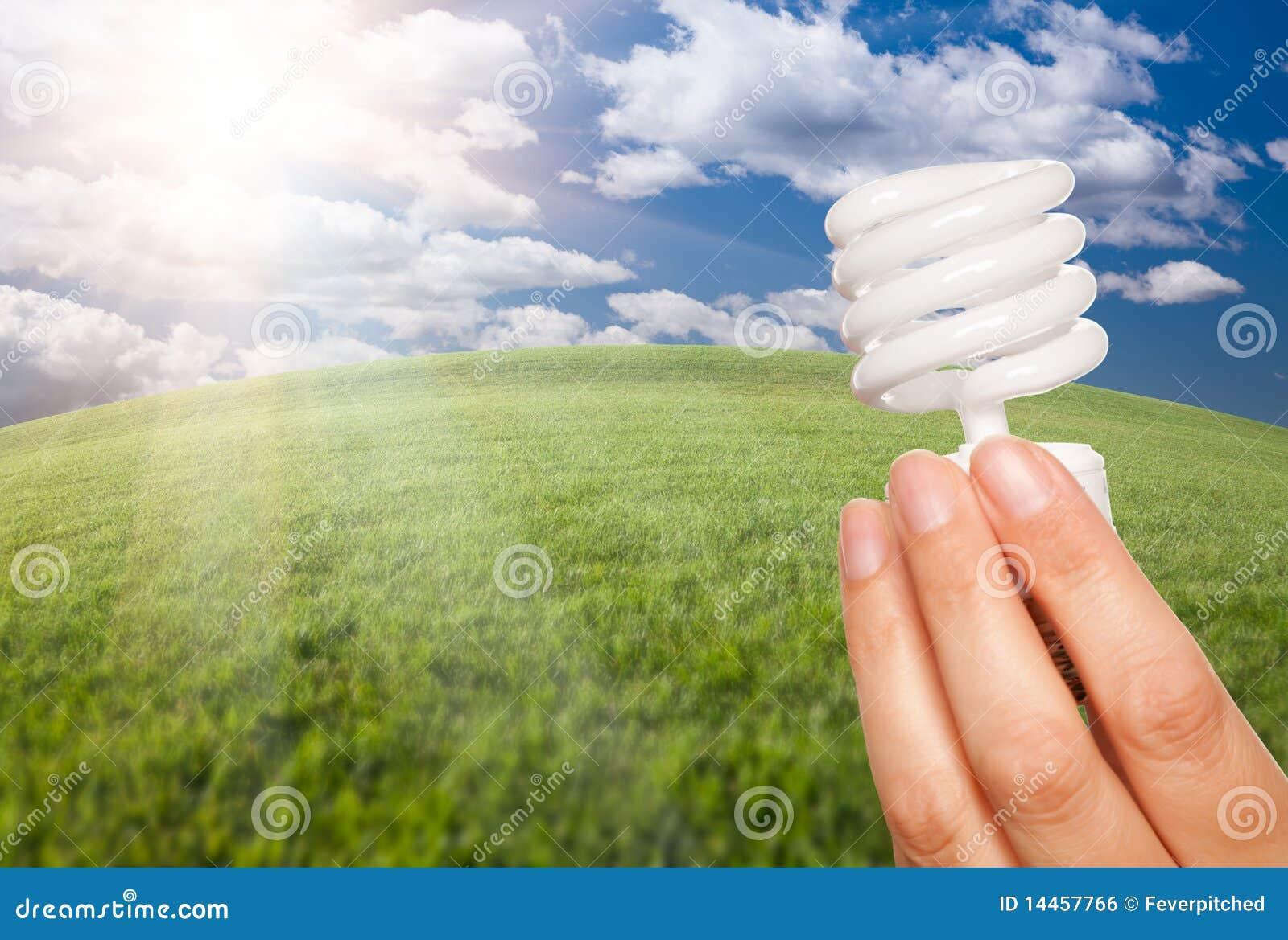 свет руки fie энергии шарика женский над сбережениами