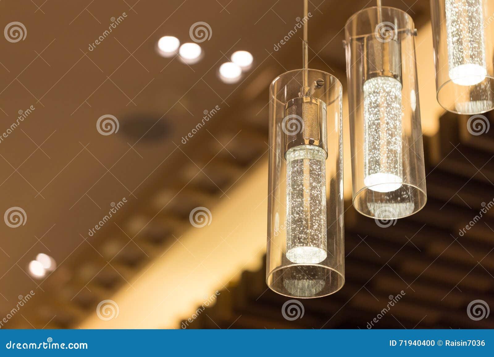 Свет для украшает или дизайн интерьера с теплым тоном