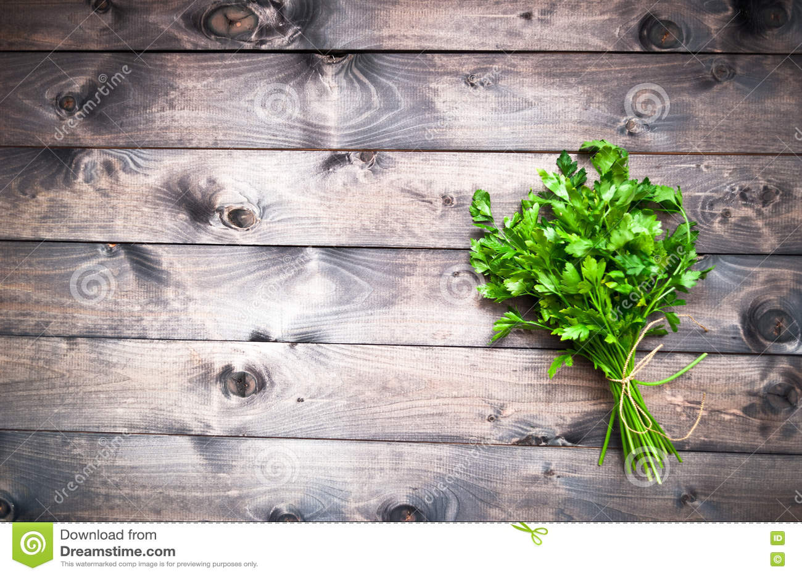 Download Связанная свежая петрушка стоковое фото. изображение насчитывающей кулинарно - 72295846