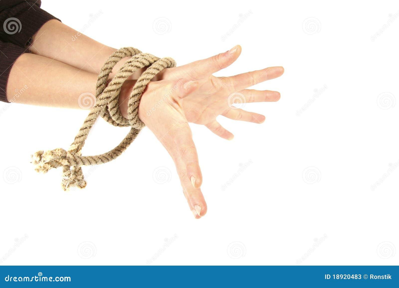 Связав ей руки онлайн