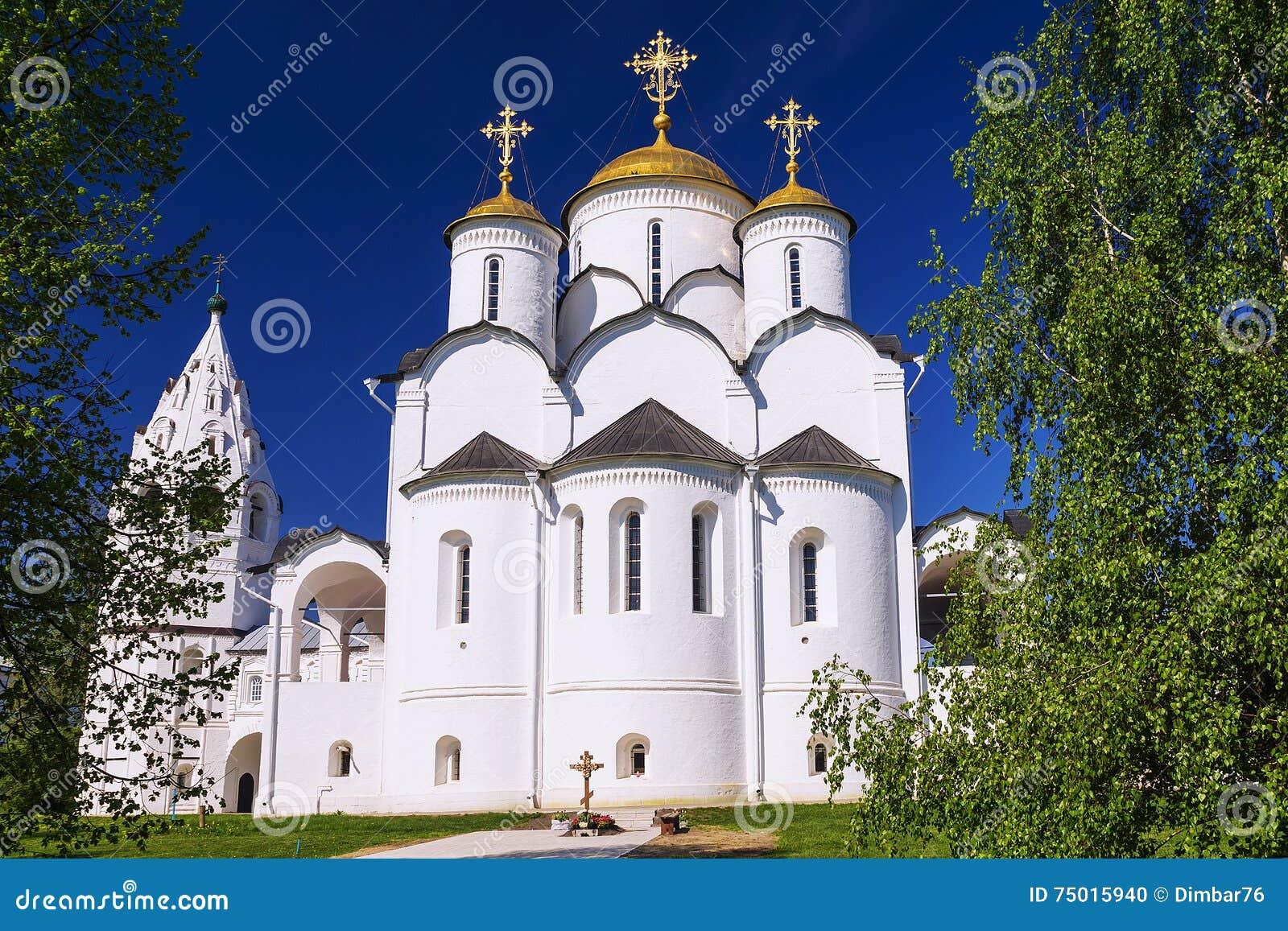 Святой монастырь Pokrovsky в Suzdal, золотом кольце России