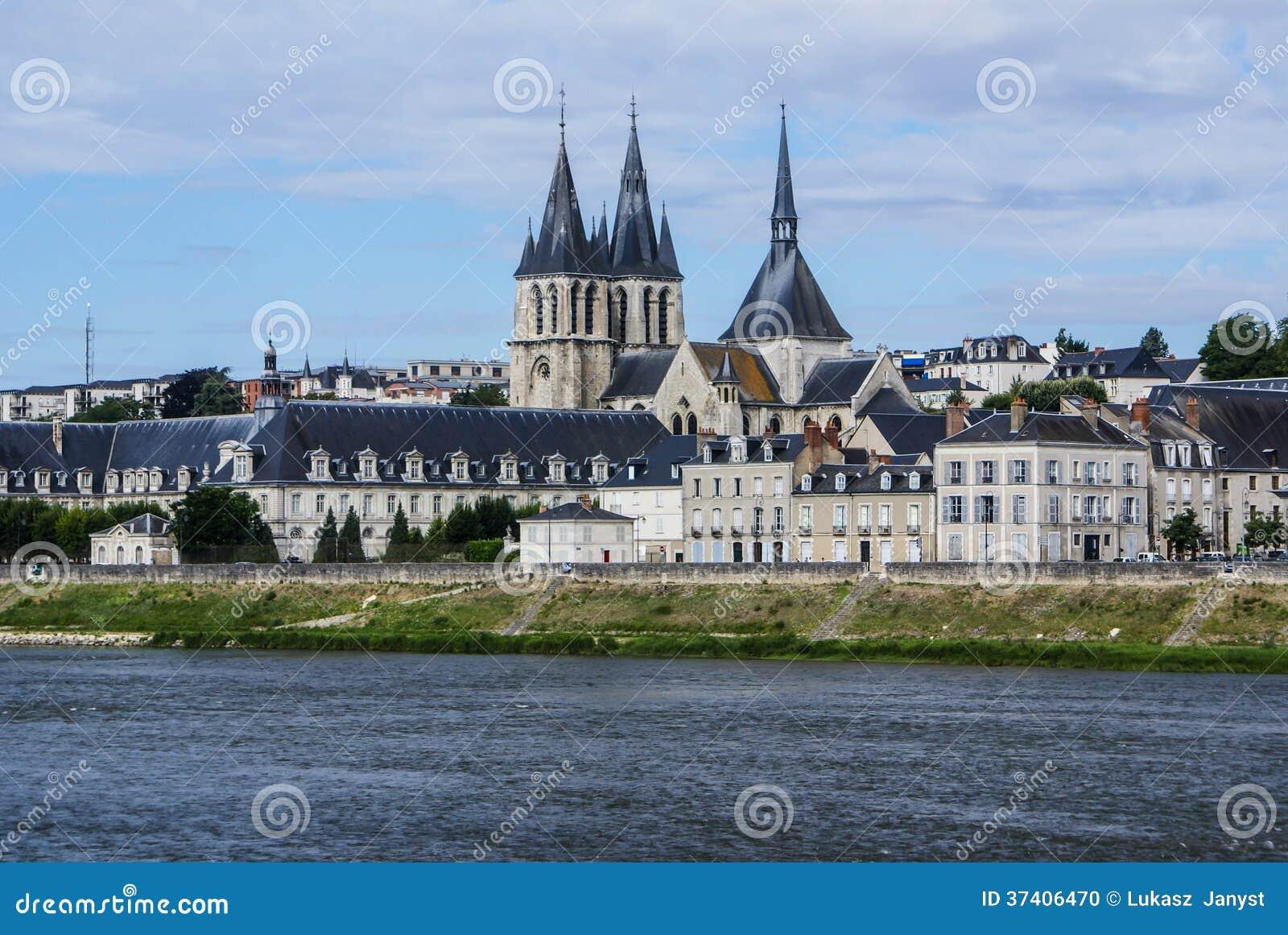 Святой-Laumer аббатства в Blois. Замок Loire Valley. Франция