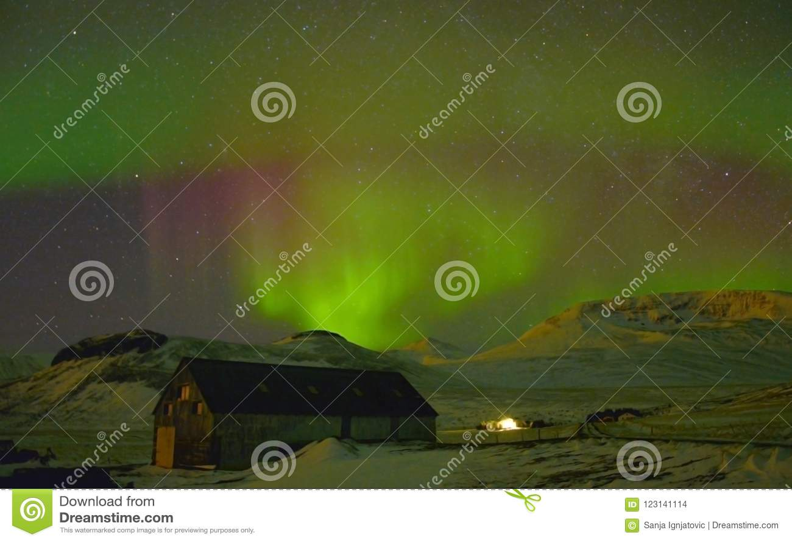 Северное сияние в Исландии