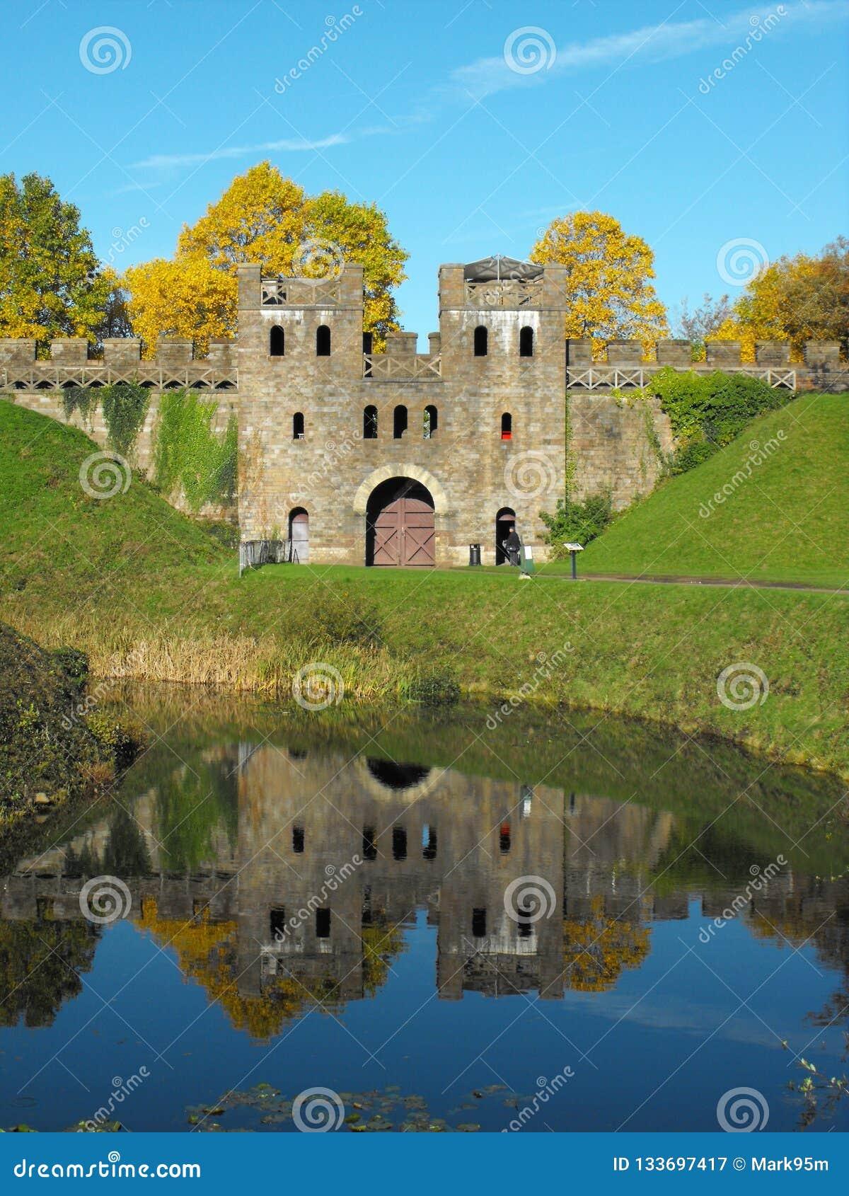 Север держит замка Кардиффа
