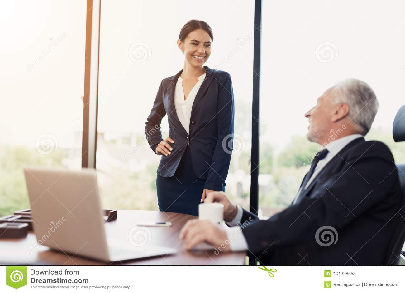 Секретарша и её босс