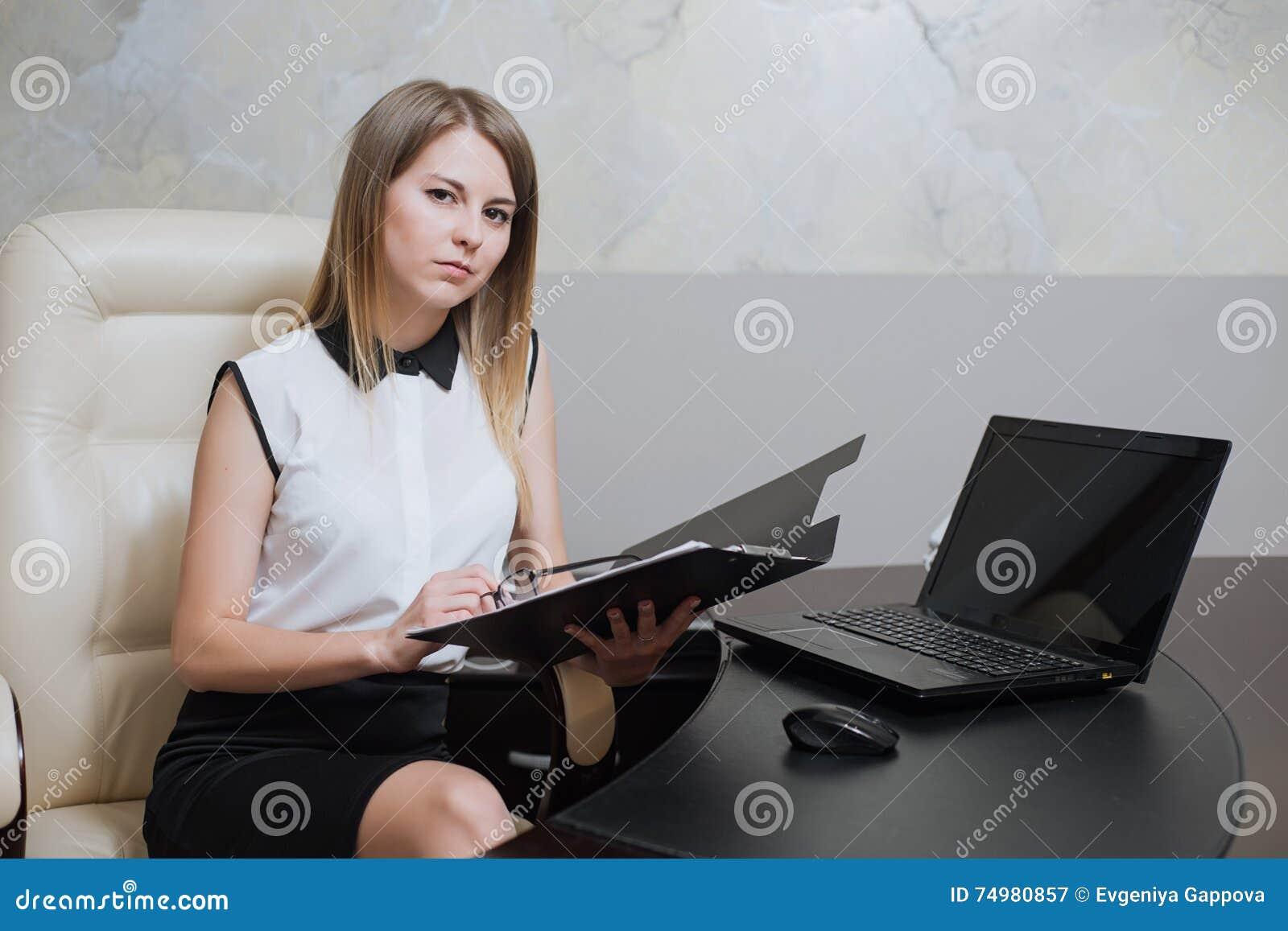Фото сексуальных бизнес дам, фото секс старых супругов