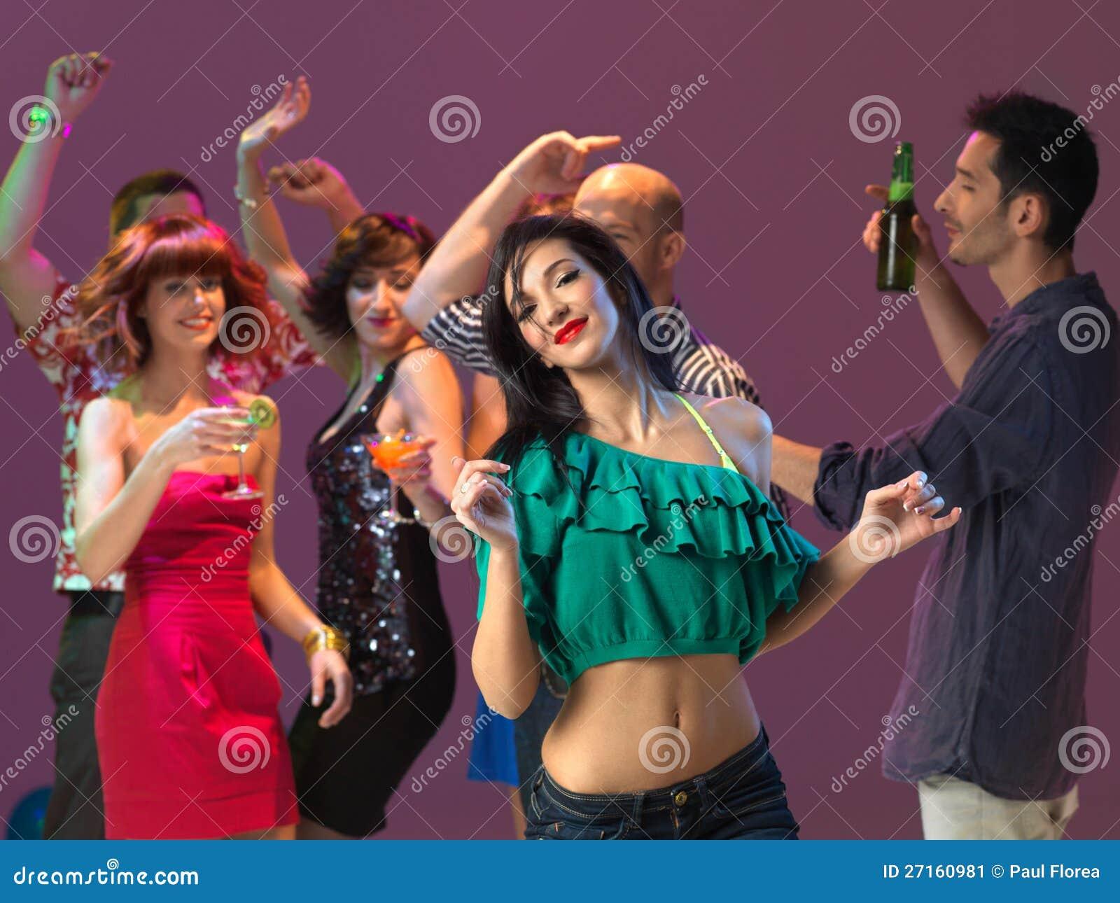 Женщин в ночных клубах нирвана витебск клуб ночной