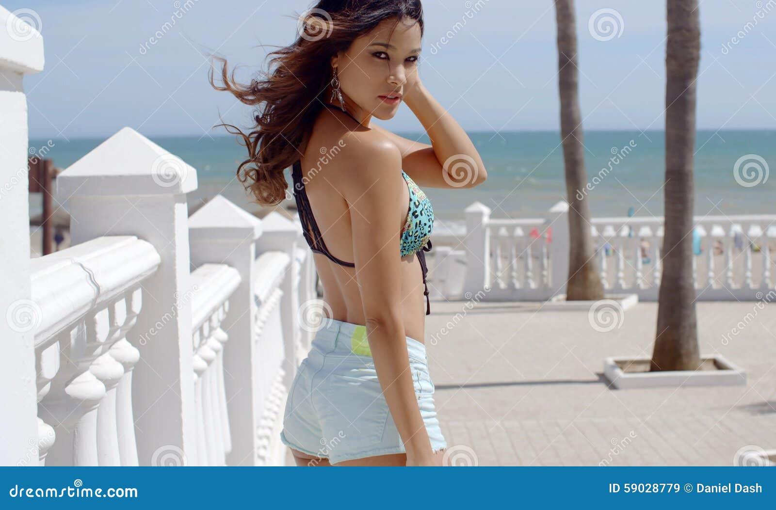 Фото сексуальная на прогулке фото 740-506
