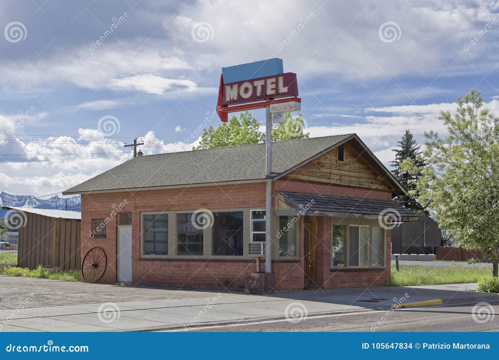 Сельский мотель на дороге, Вайоминг