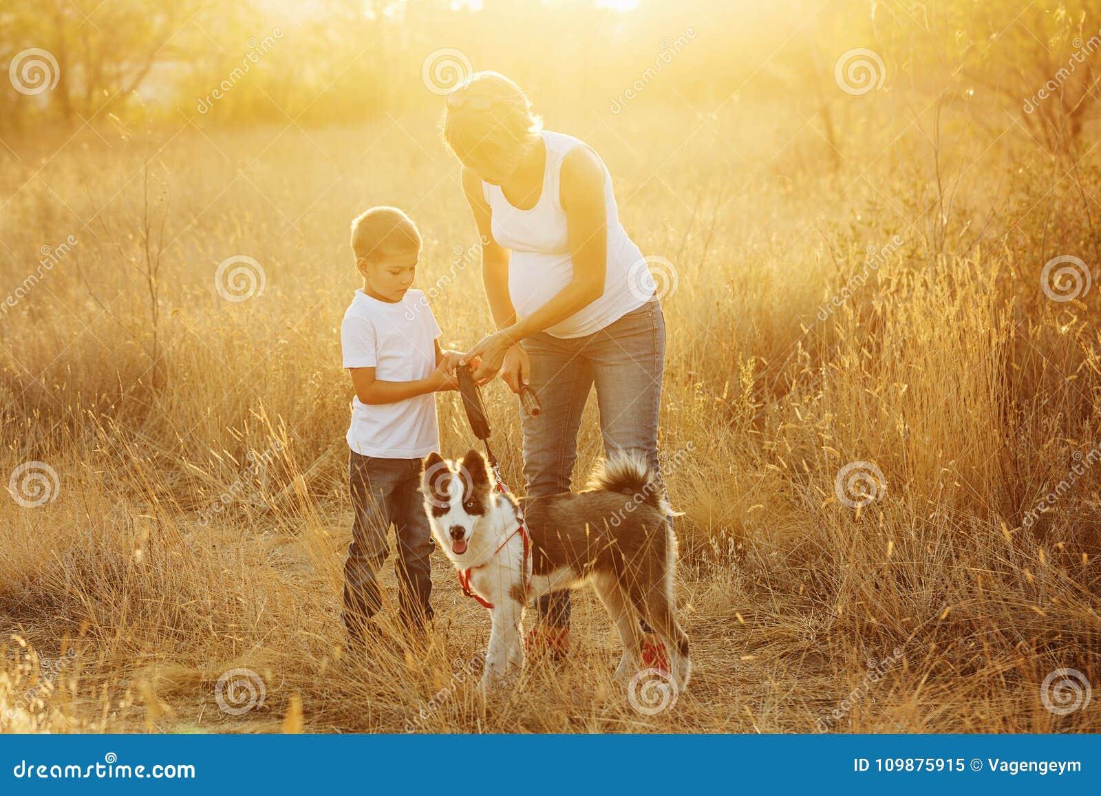 Семья выследите сынка мати