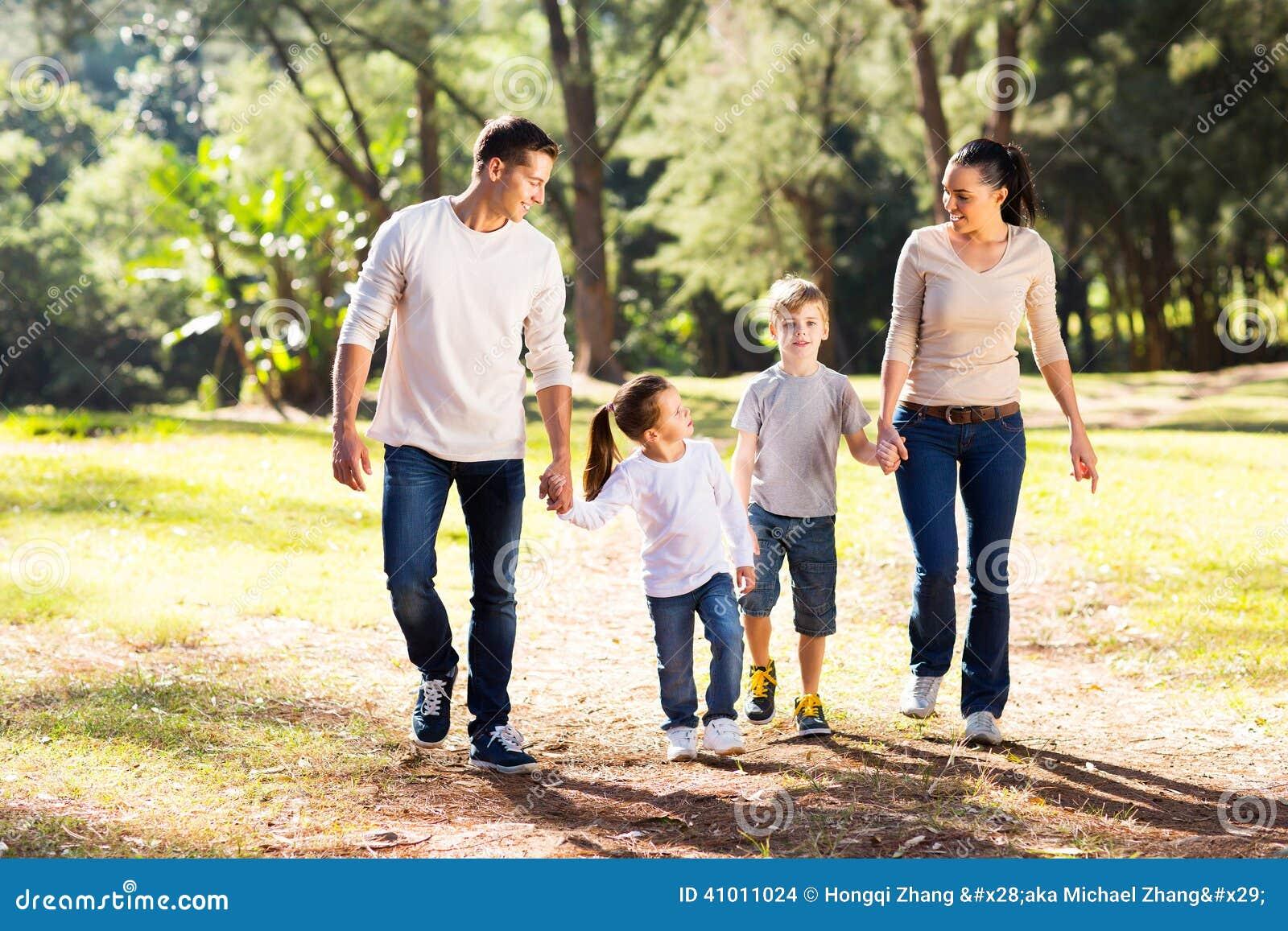 Картинка все идет из семьи