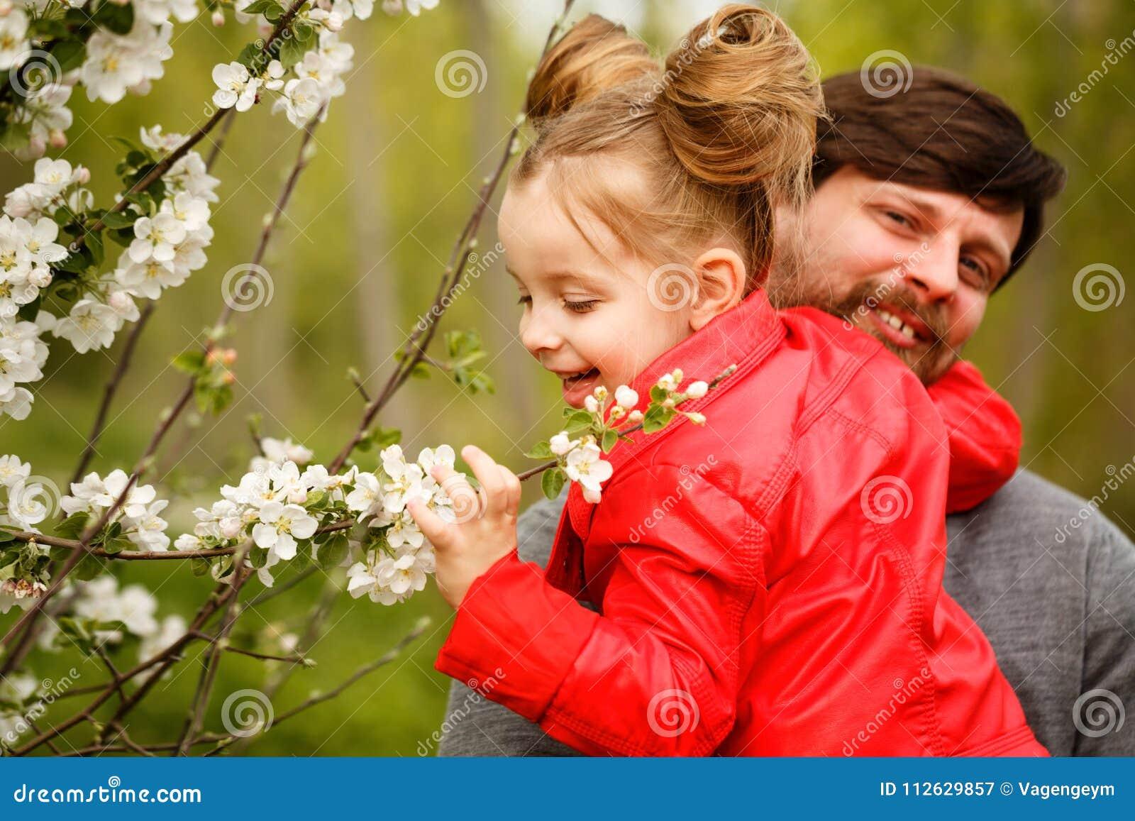 Семья Отец и дочь