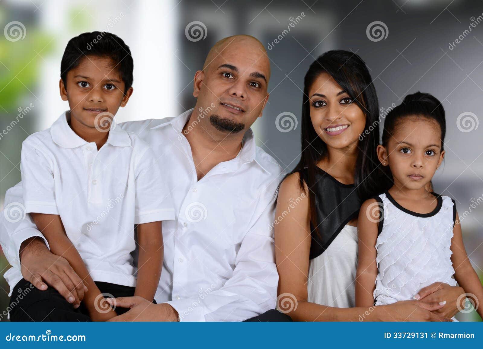 Семья совместно