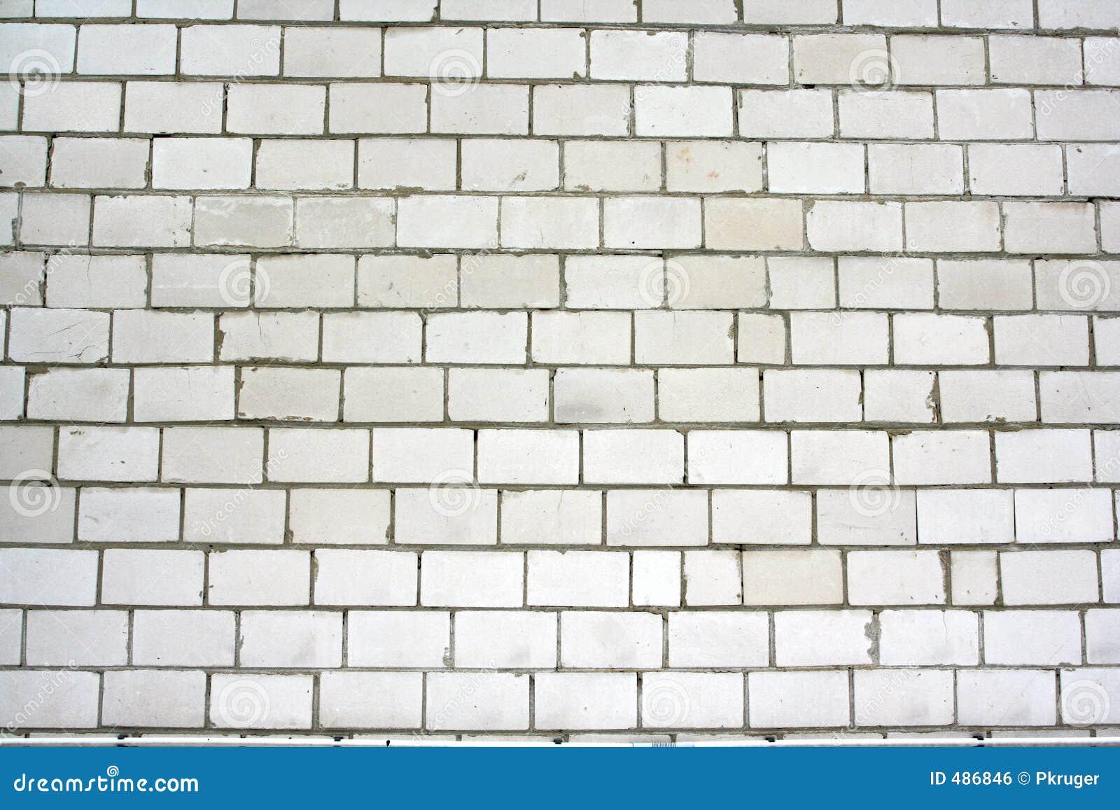 серая стена