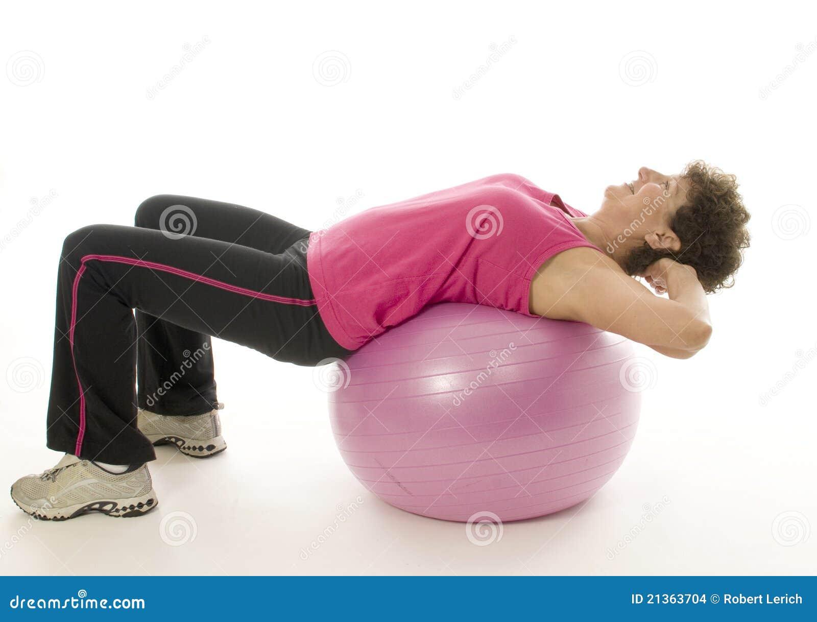 сердечник шарика работая женщину тренировки пригодности