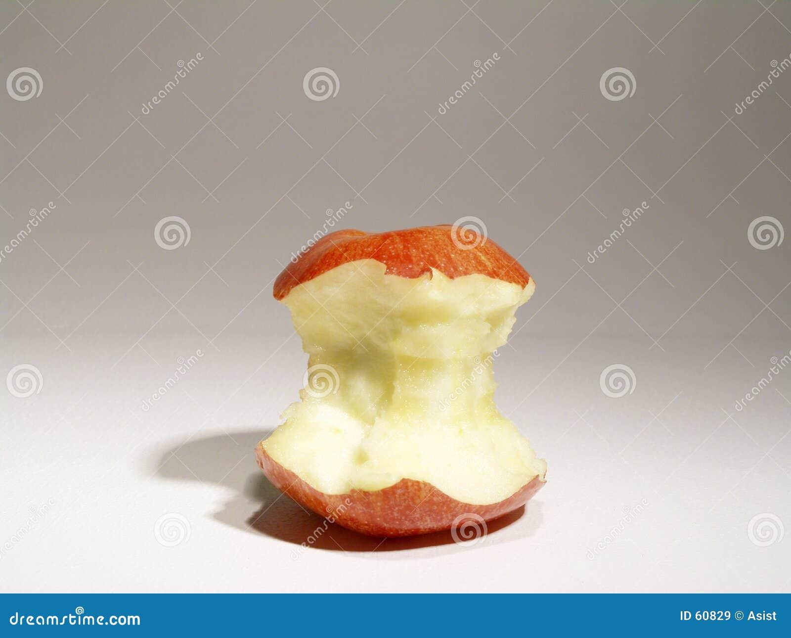 сердечник яблока