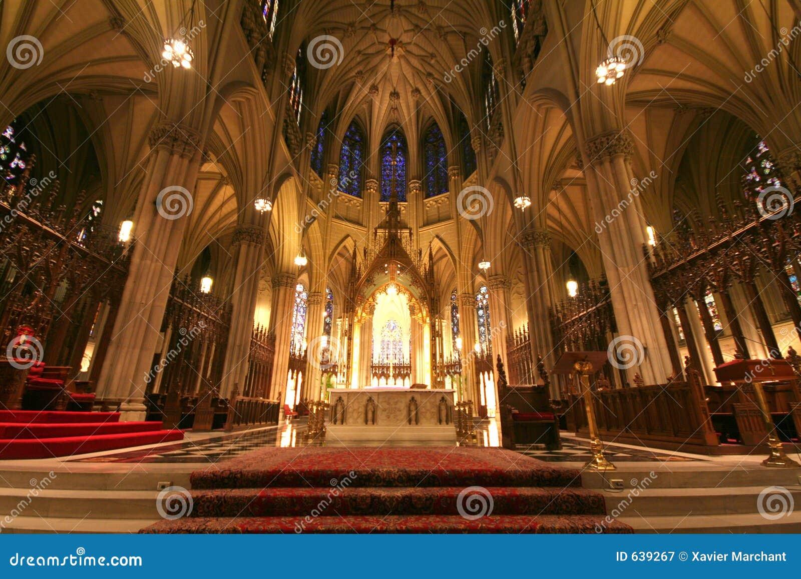 Download сердце собора стоковое изображение. изображение насчитывающей jesus - 639267