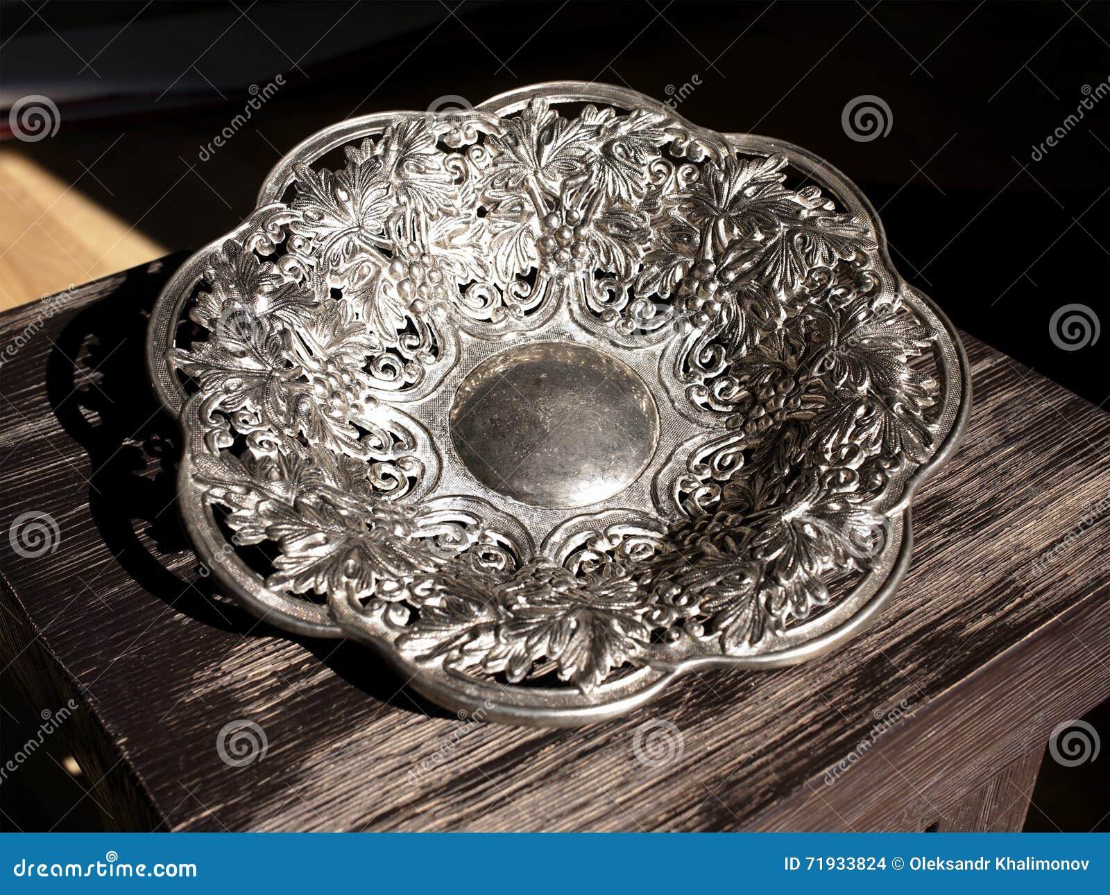 Серебряная декоративная плита