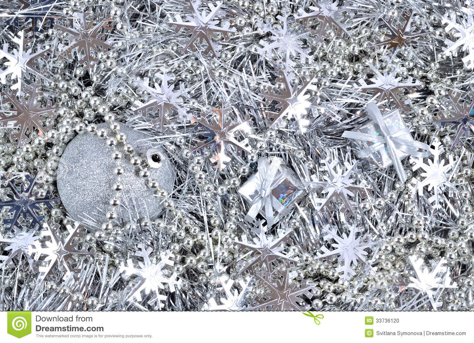 Серебряные украшения рождества