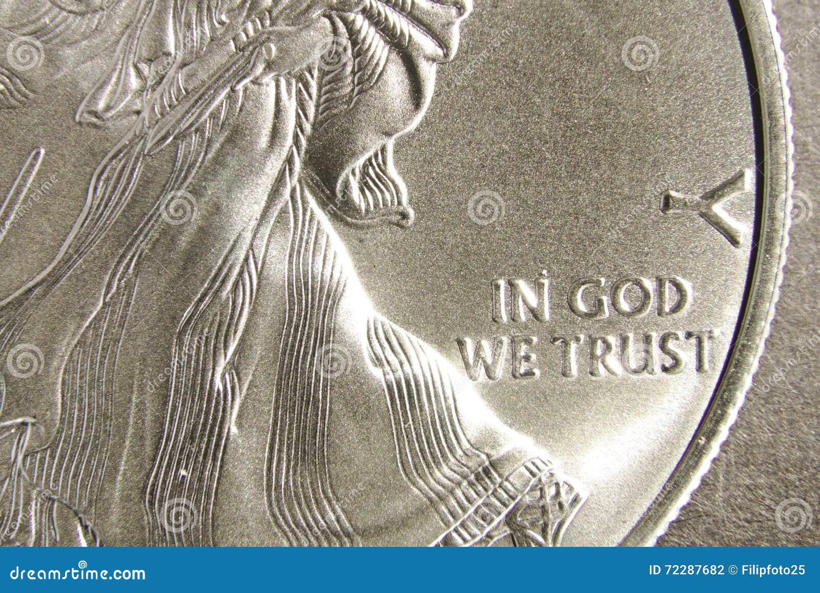 Download Серебряный доллар в боге мы доверяем Стоковое Фото - изображение насчитывающей монетка, соберите: 72287682
