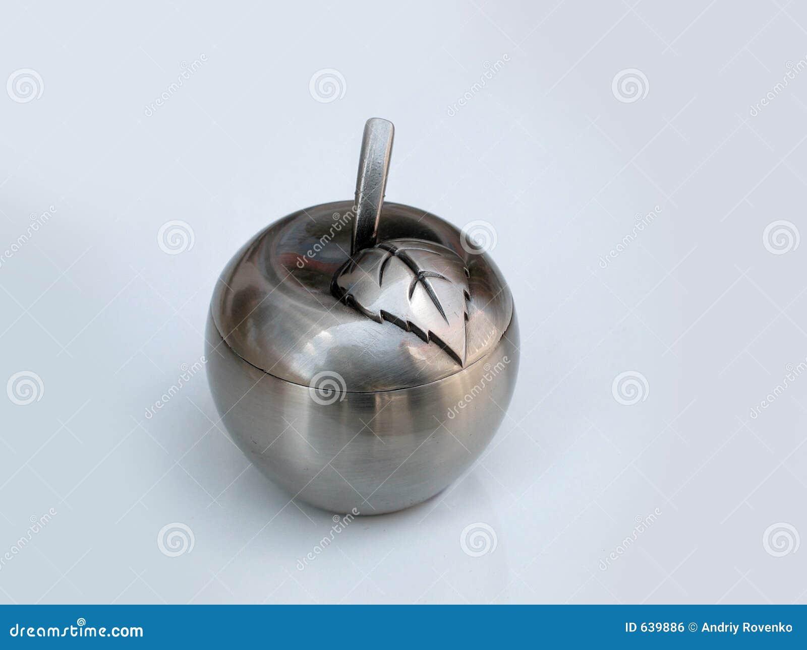 Download серебр яблока стоковое фото. изображение насчитывающей влюбленность - 639886