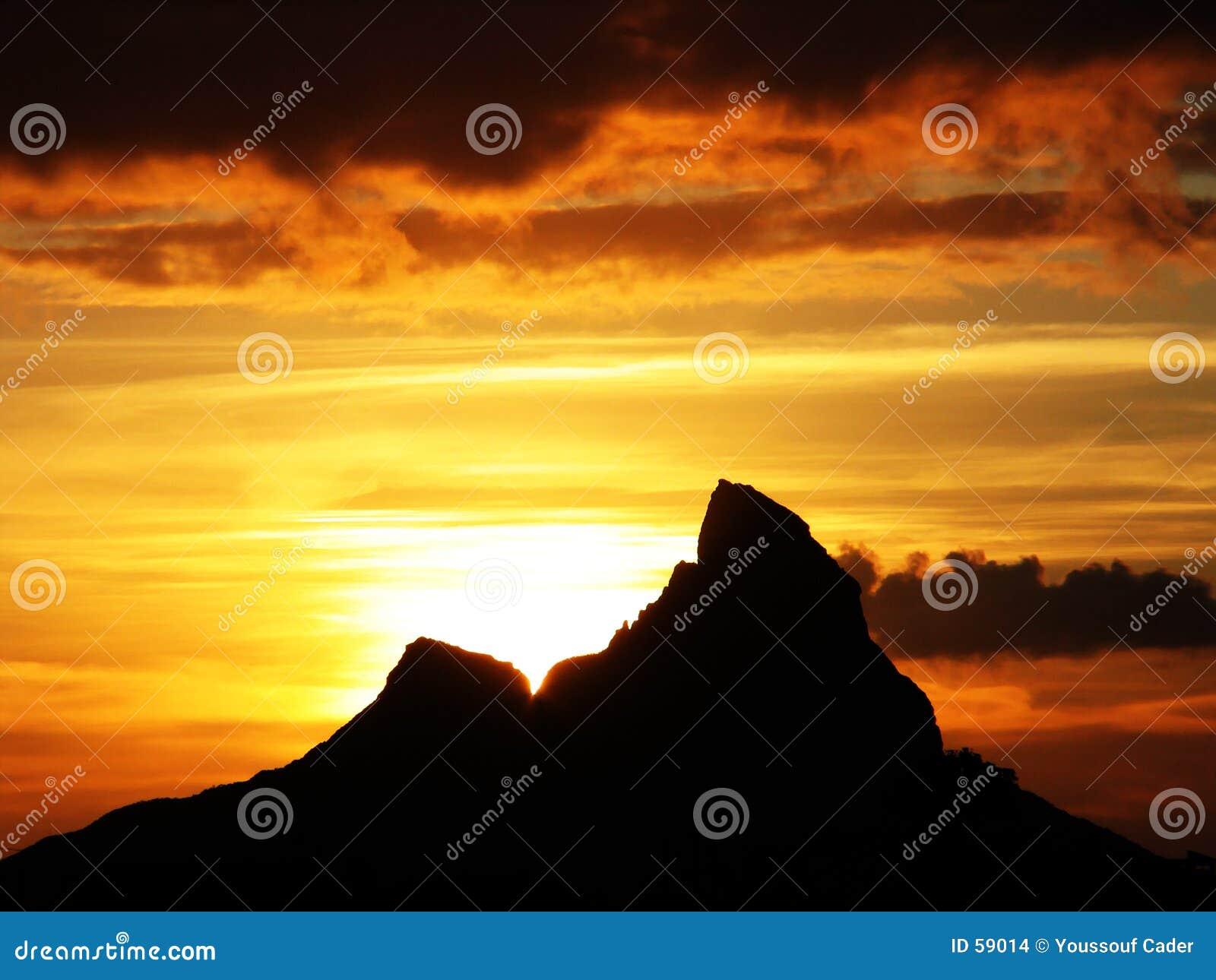 серия горы