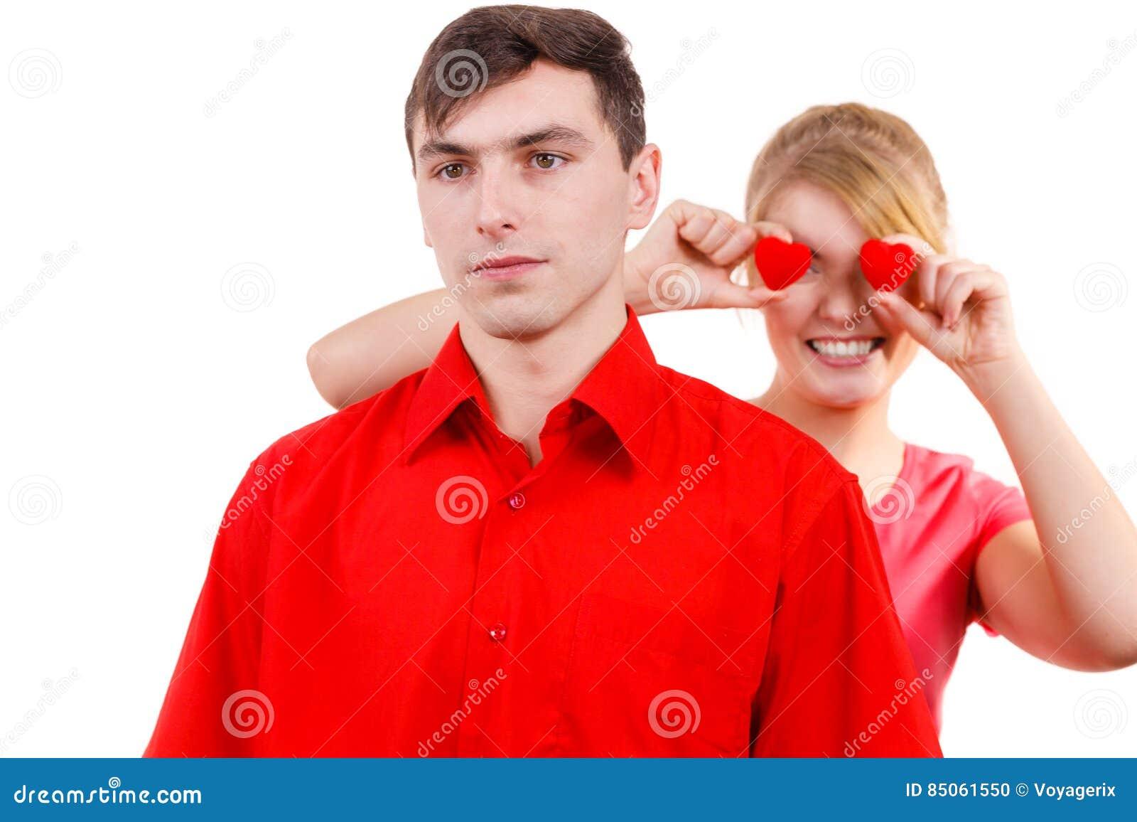 Девушка и старушка на одной картине
