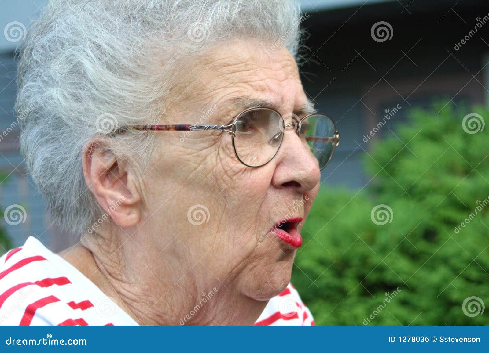 Фото злой бабушки 6 фотография