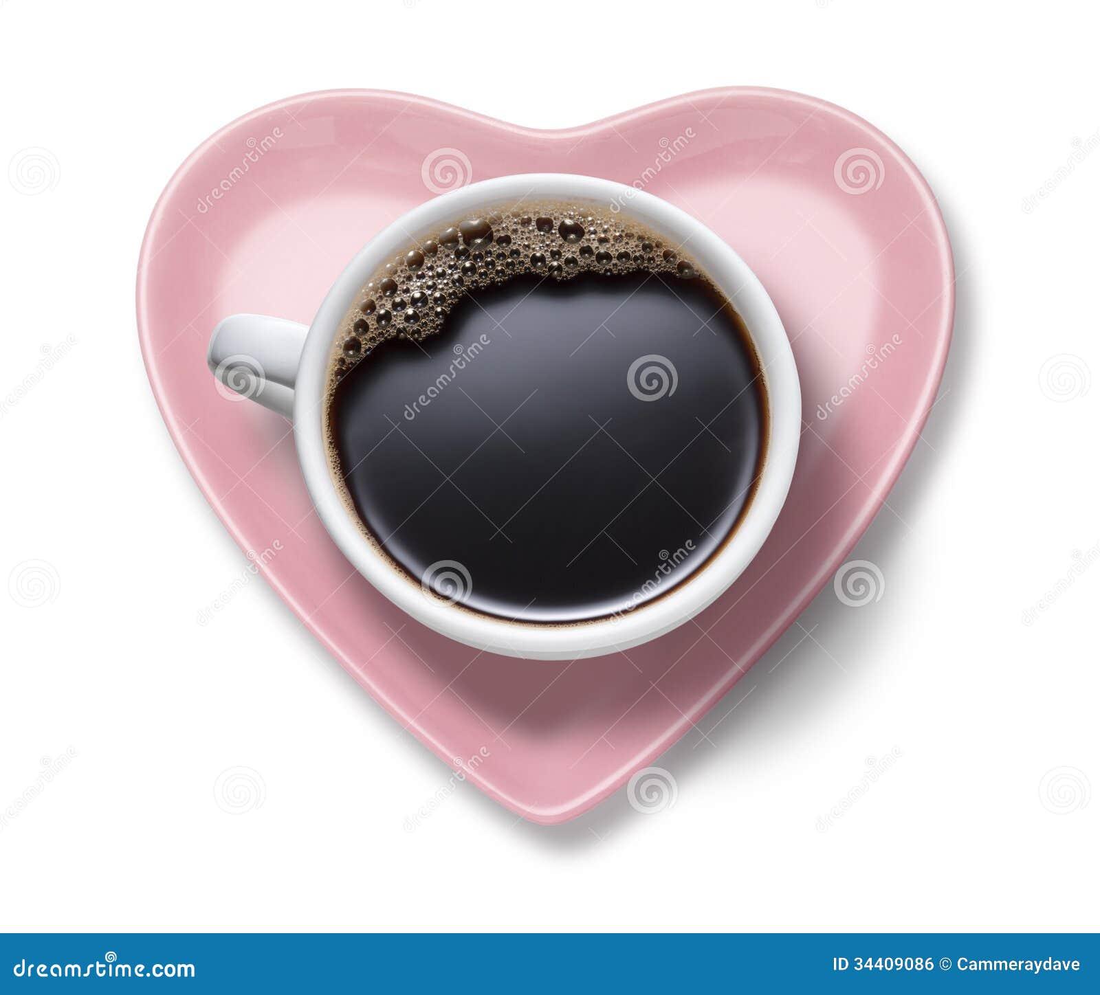Сердце кофейной чашки влюбленности