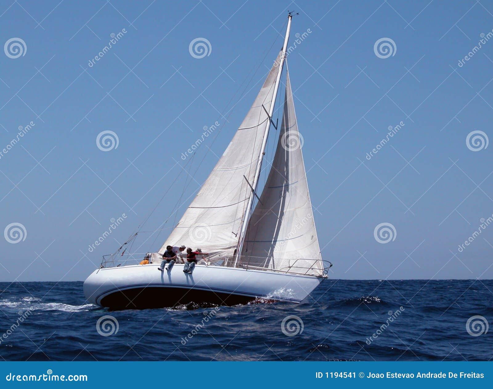 сильный ветер sailing